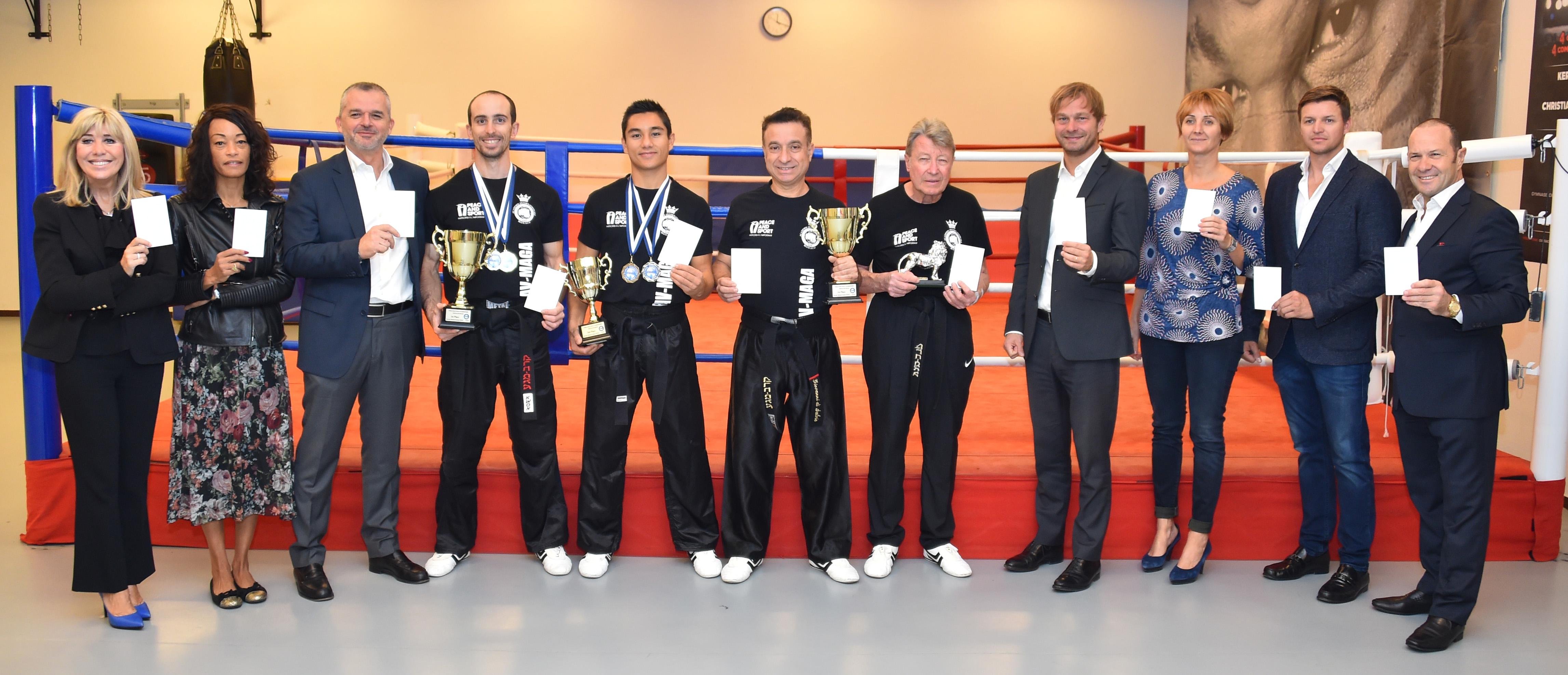 Lequipe championne du monde de Krav Maga a lhonneur a Monaco